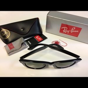 Ray ban wayfarer sunglasses NEW gloss